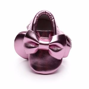 Other - 🎡SALE metallic pink baby  soft sole moccasins